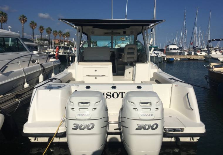 boston-whaler-315-conquest-49959100171850705352545451494566x